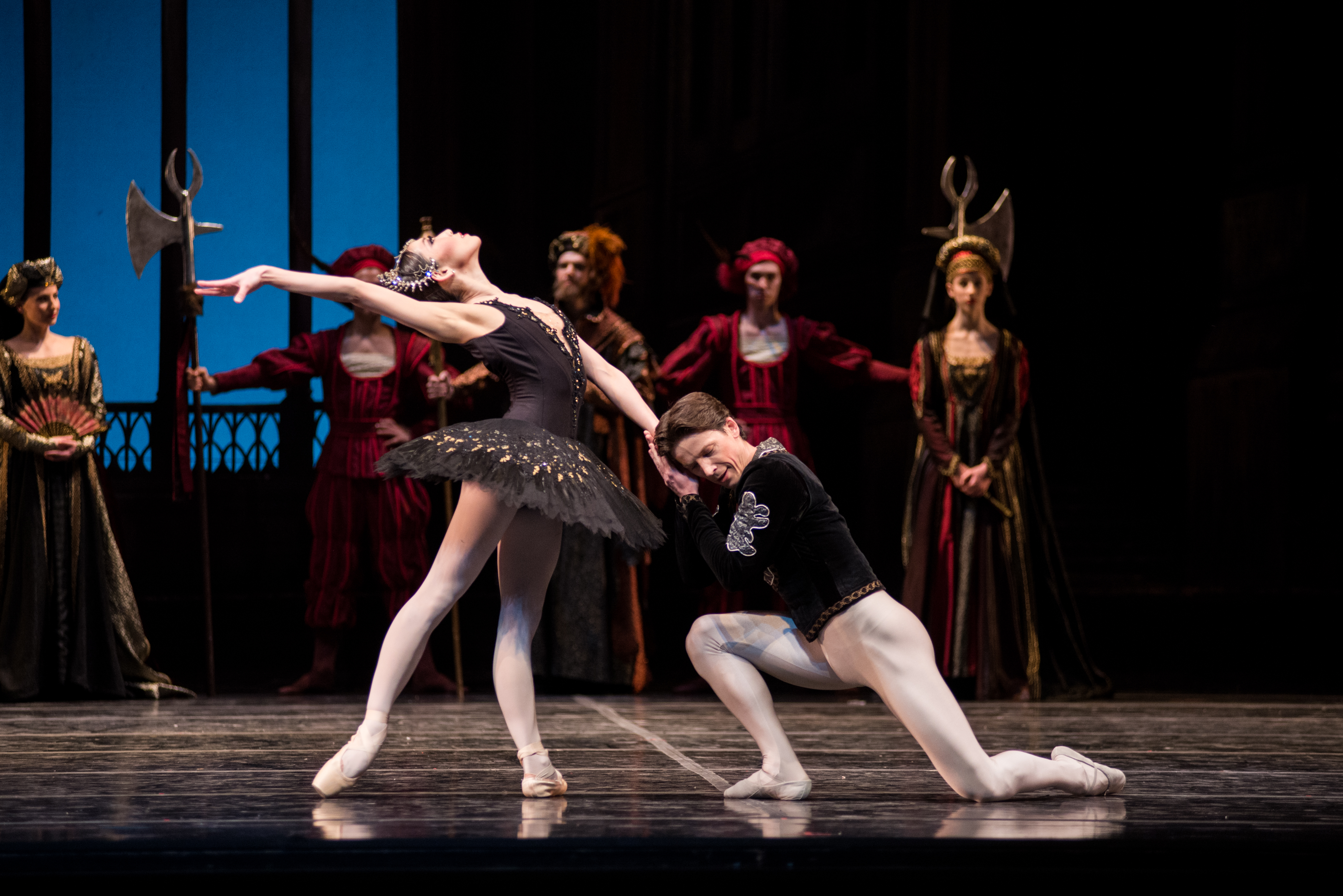 Soloists Yayoi Ban and Dmitri Dovgoselets in Swan Lake, 2015; Photo by Samanta Katz